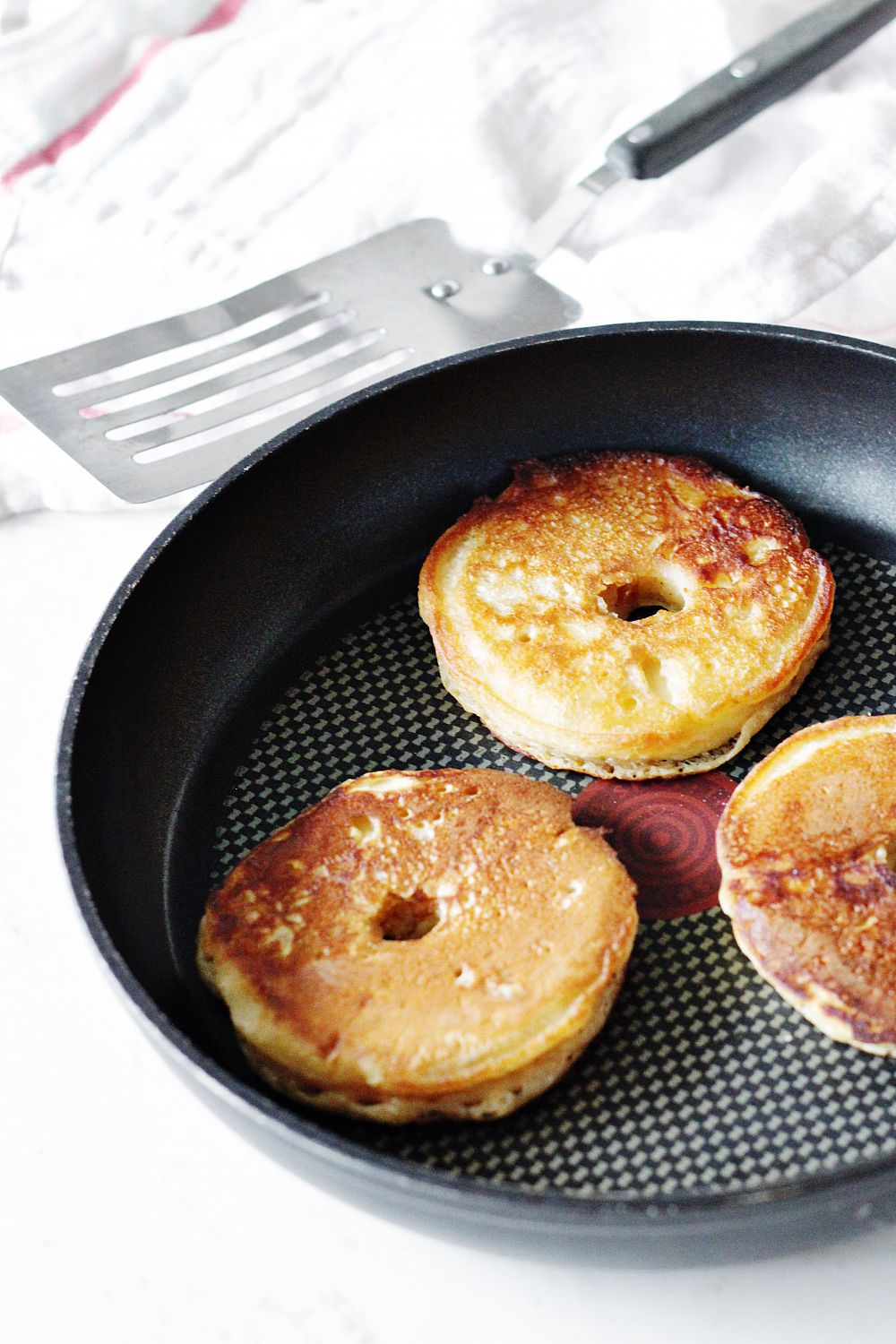 how to make apple pancakes with pancake mix